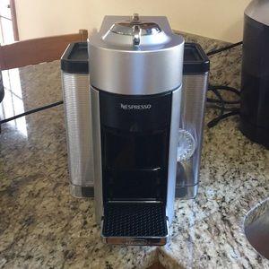 Nespresso Vertuo coffee&espresso maker by DeLonghi